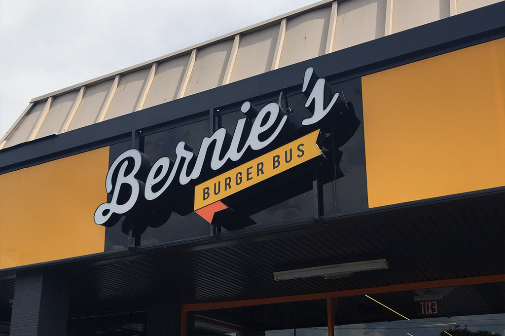 Bernies Burger Bus Good Eats Houston-Local-Travel-Guide-Mike-Puckett-DDM