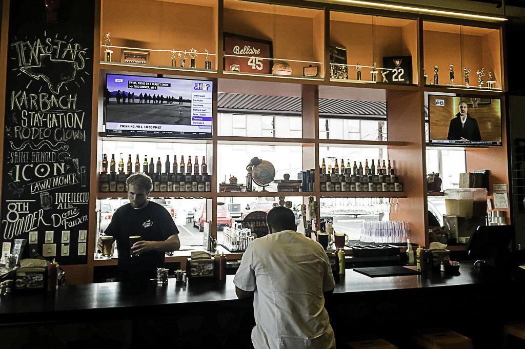 Bernies Burger Bus Good Eats Houston Mike Puckett Photography_0014_Bernies Burger Bus Good Eats Houston Mike Puckett Pho