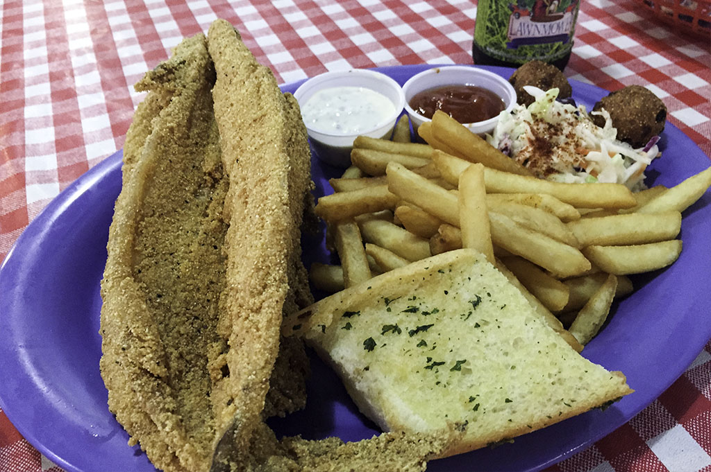 Captain Bennys Seafood Good Eats Local Mike Puckett DDM 17