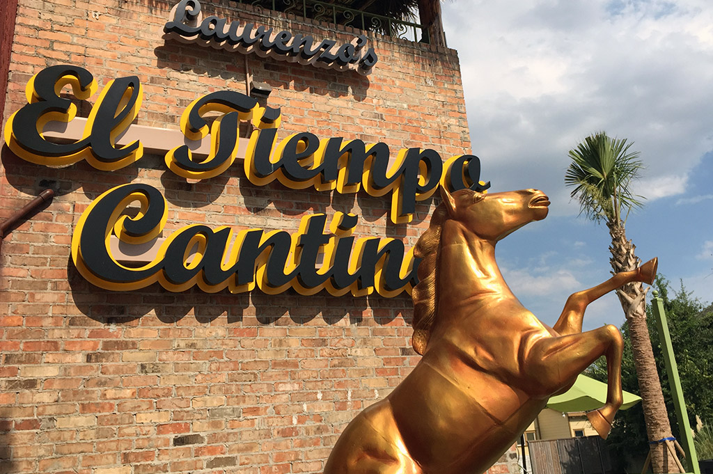 El Tiempo Cantina Good Eats Houston-Local-Travel-Guide-Mike-Puckett-DDM