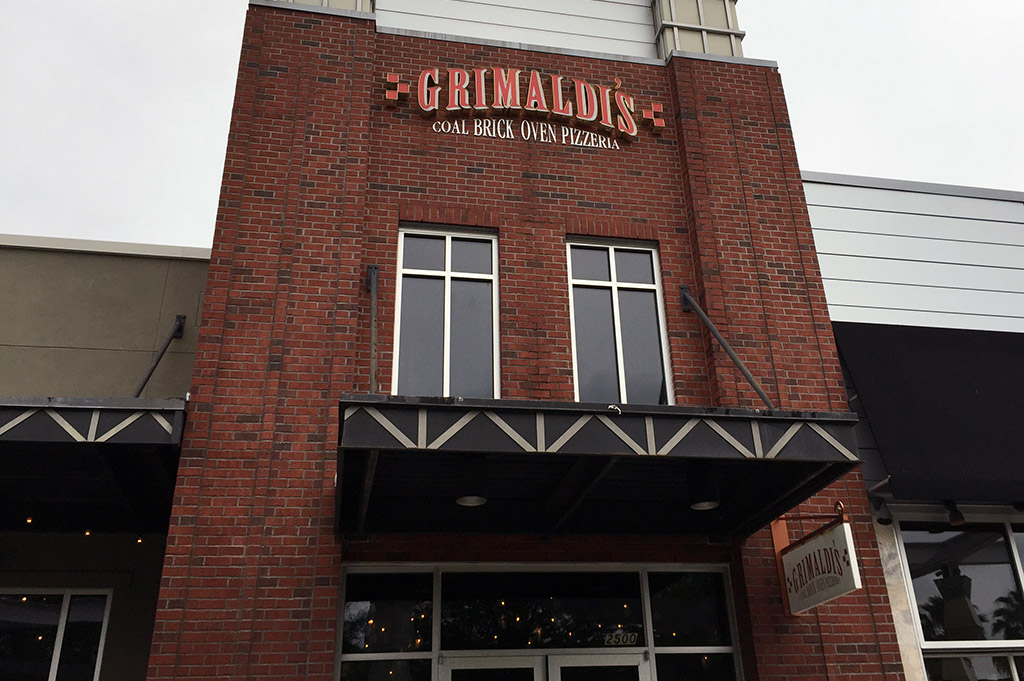 Grimaldi's Pizzeria Good Eats Houston-Local-Travel-Guide-Mike-Puckett-DDM
