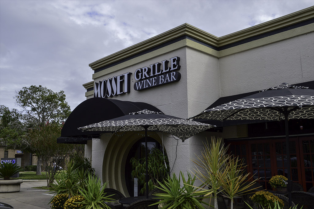 Mossett Grille Wine Bar Good Eats Local Mike Puckett DDM 2015 1