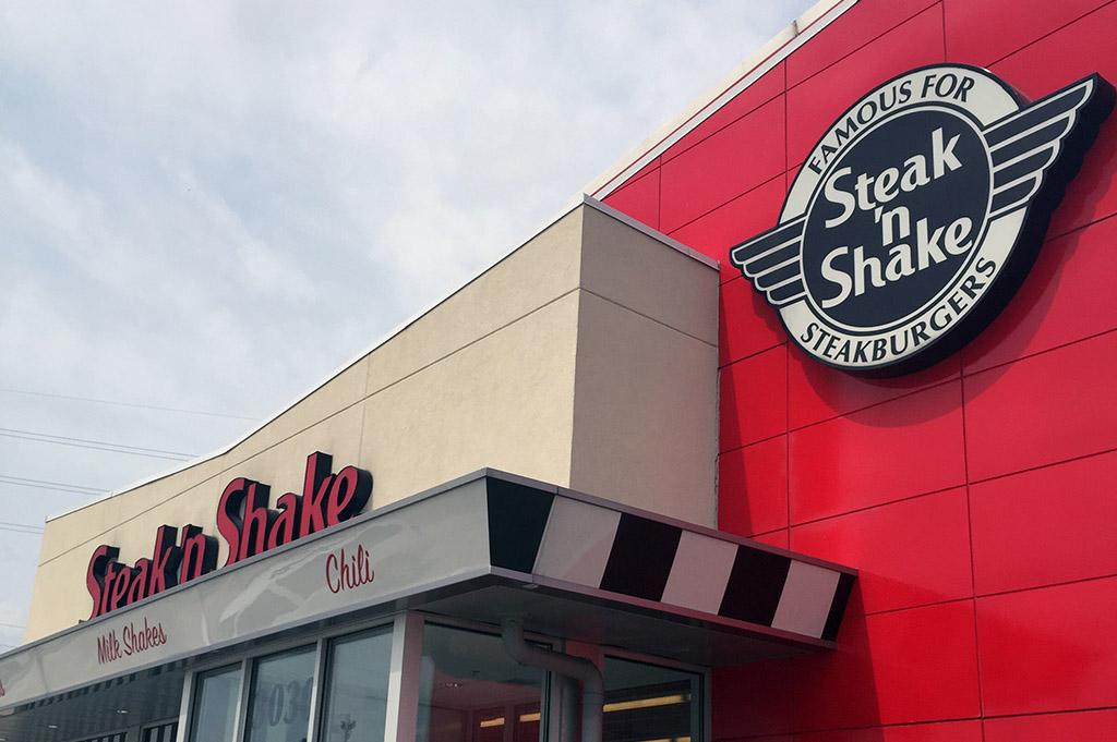 Steak 'n Shake Good Eats Houston-Local-Travel-Guide-Mike-Puckett-DDM