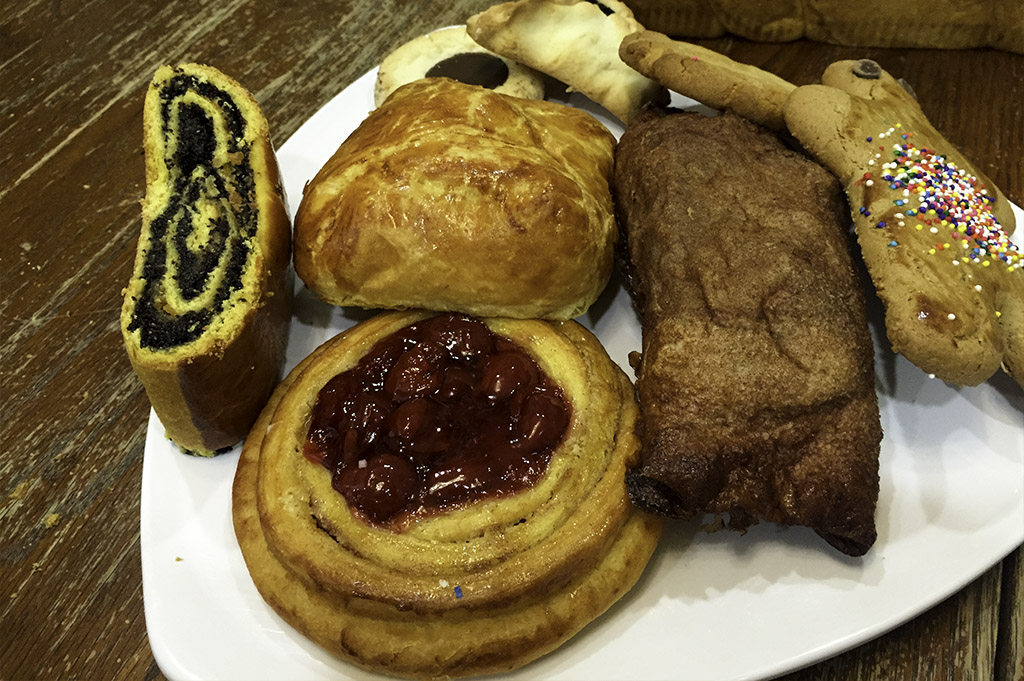Three Brothers Bakery Good Eats Local Mike Puckett DDM 16