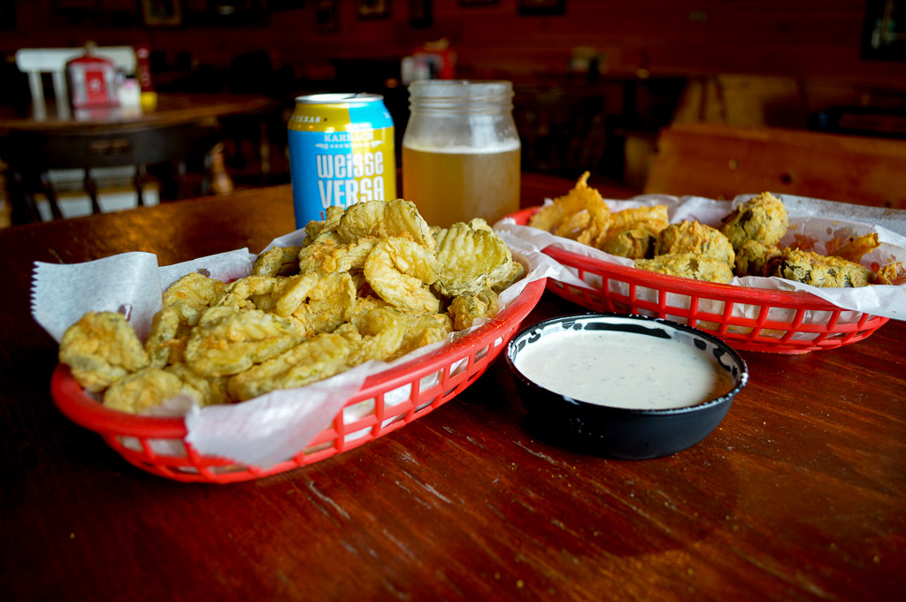Tin Roof Bbq Best Restaurants In Houston