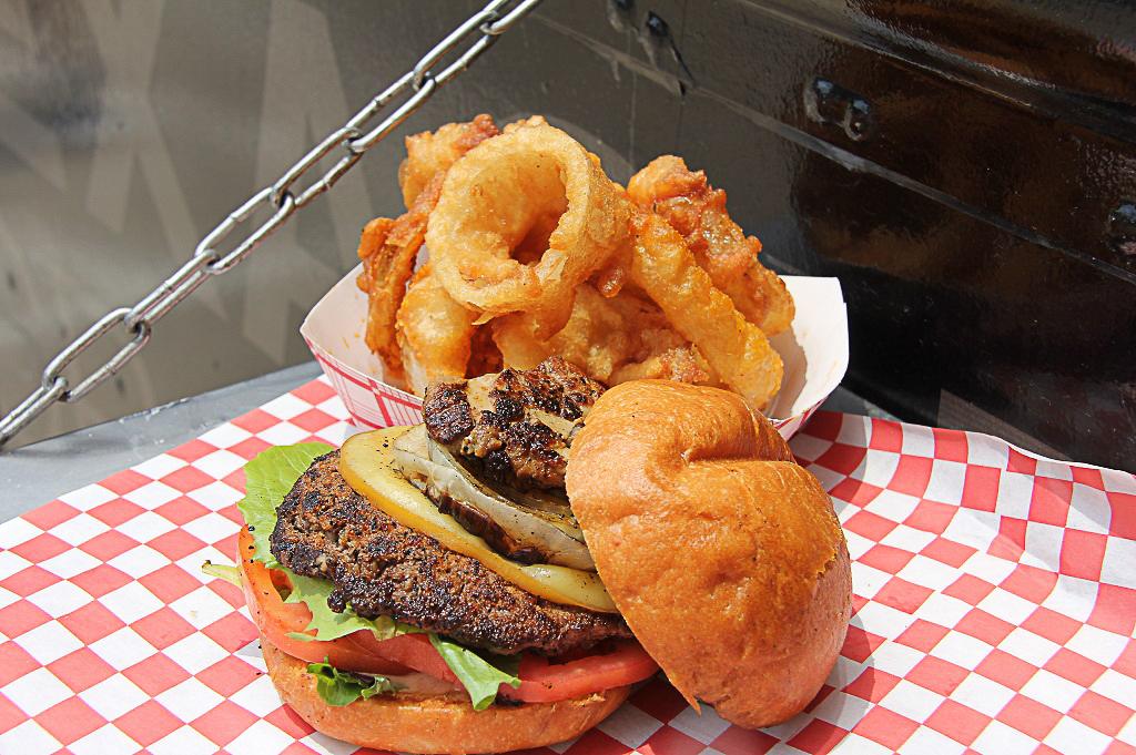 Craft Burger Food Truck Good Eats Houston Kerin Mayne Photography 1024 (5 of 10)