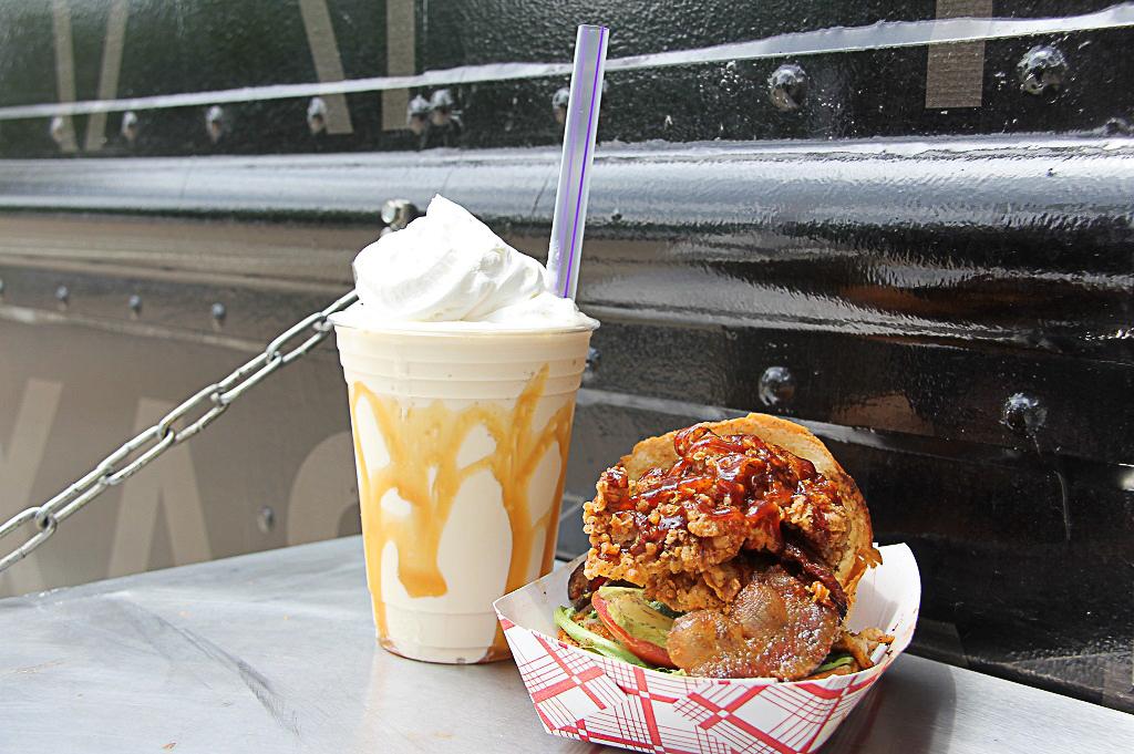 Craft Burger Food Truck Good Eats Houston Kerin Mayne Photography 1024 (9 of 10)