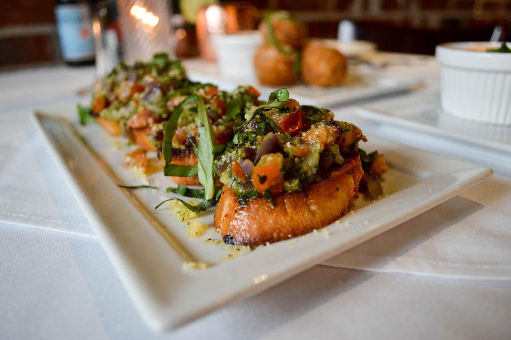 Lamontes Italian Restaurant Good Eats Houston Texas Mike Puckett Photography GW (11 of 45)