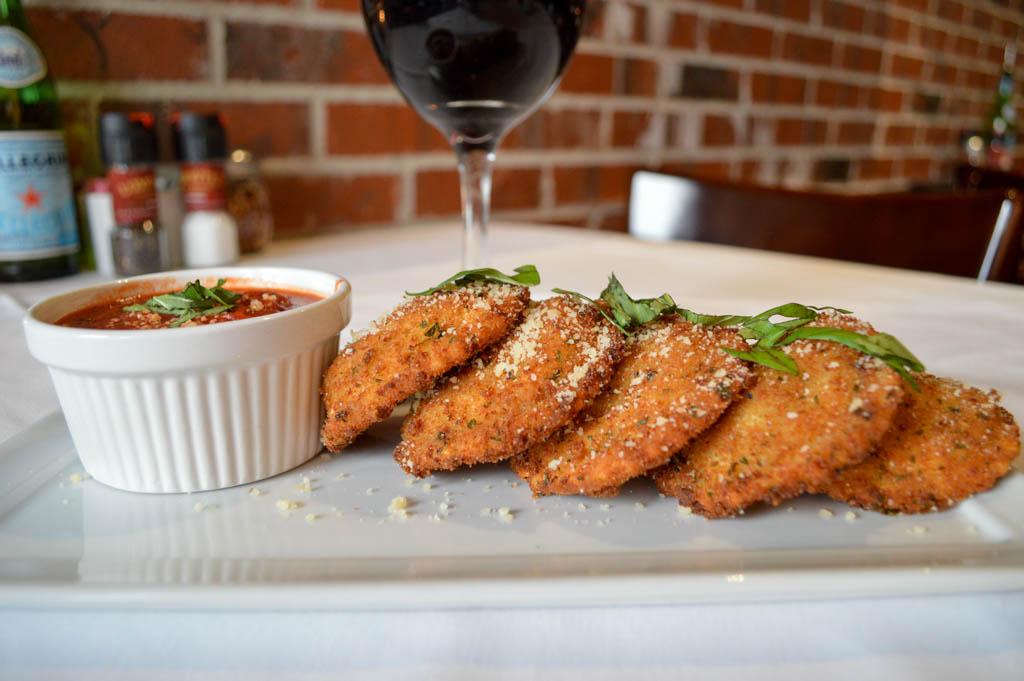 Lamontes Italian Restaurant Good Eats Houston Texas Mike Puckett Photography GW (12 of 45)
