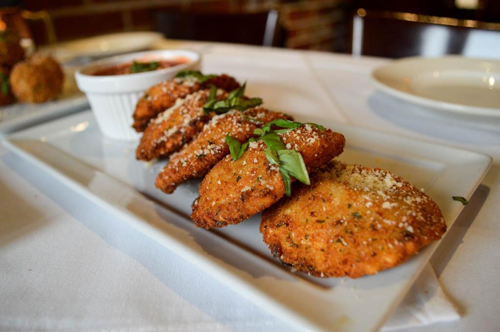 Lamontes Italian Restaurant Good Eats Houston Texas Mike Puckett Photography GW (13 of 45)