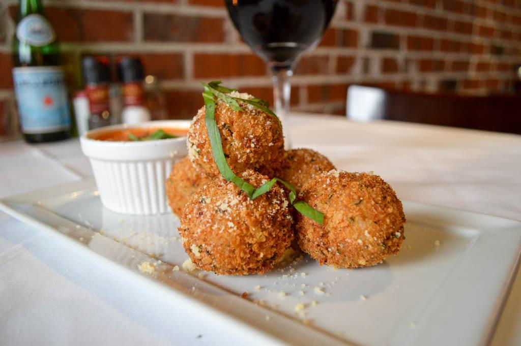 Lamontes Italian Restaurant Good Eats Houston Texas Mike Puckett Photography GW (14 of 45)