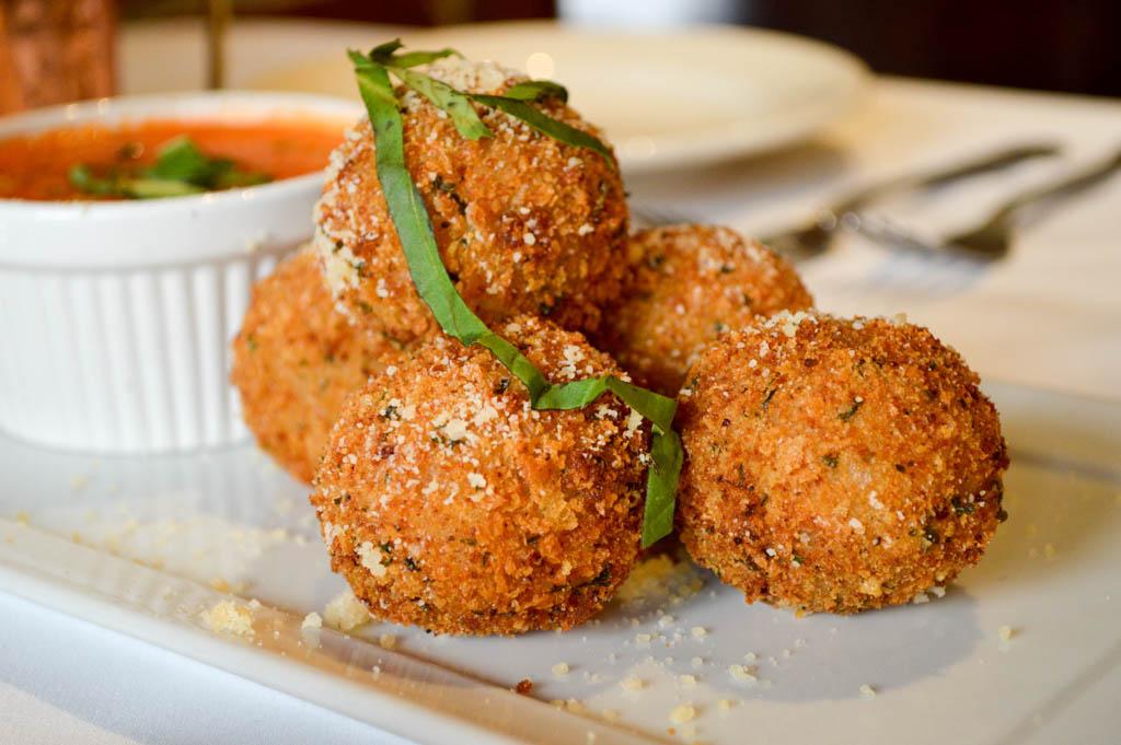 Lamontes Italian Restaurant Good Eats Houston Texas Mike Puckett Photography GW (15 of 45)