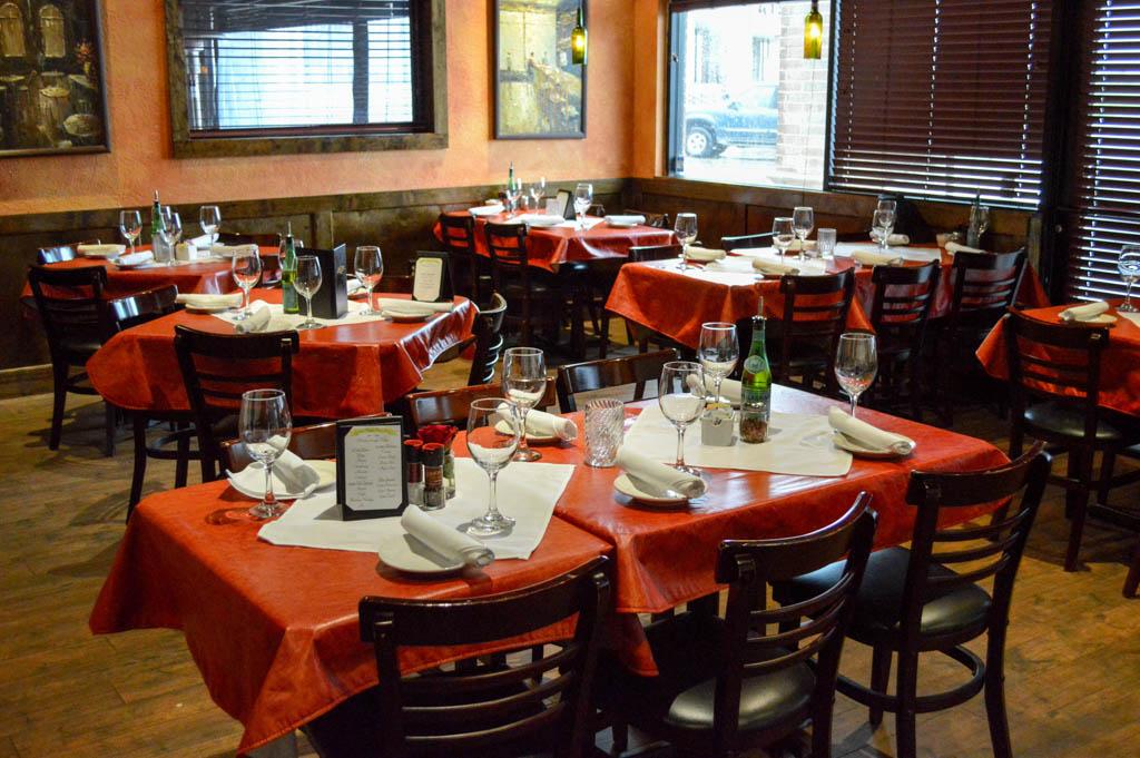 Lamontes Italian Restaurant Good Eats Houston Texas Mike Puckett Photography GW (2 of 45)