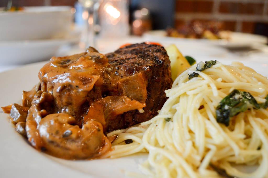 Lamontes Italian Restaurant Good Eats Houston Texas Mike Puckett Photography GW (29 of 45)
