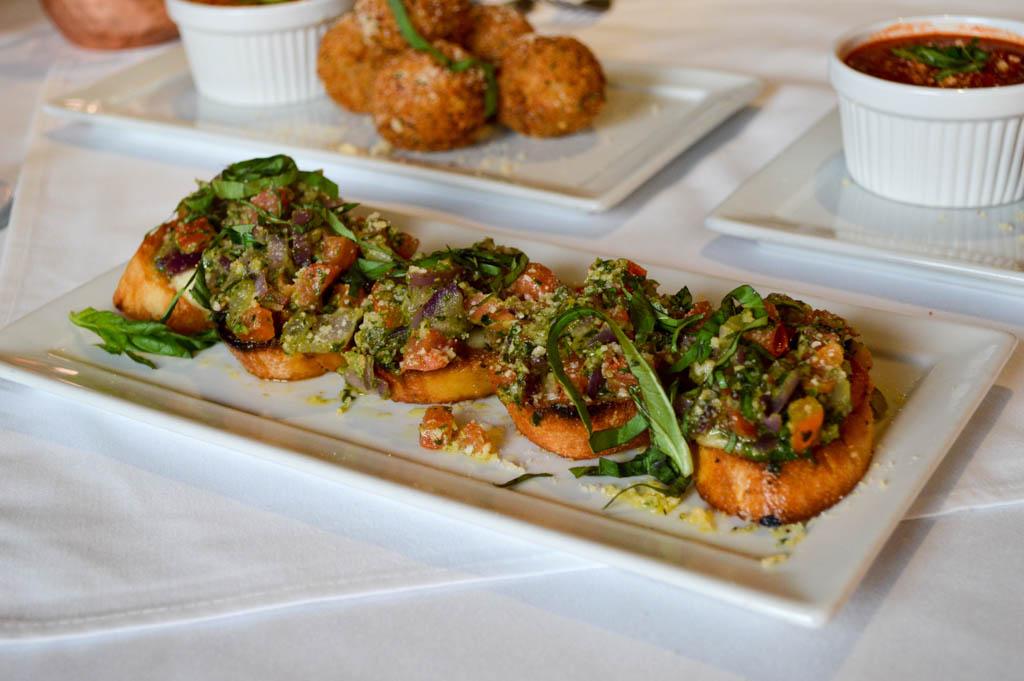 Lamontes Italian Restaurant Good Eats Houston Texas Mike Puckett Photography GW (9 of 45)
