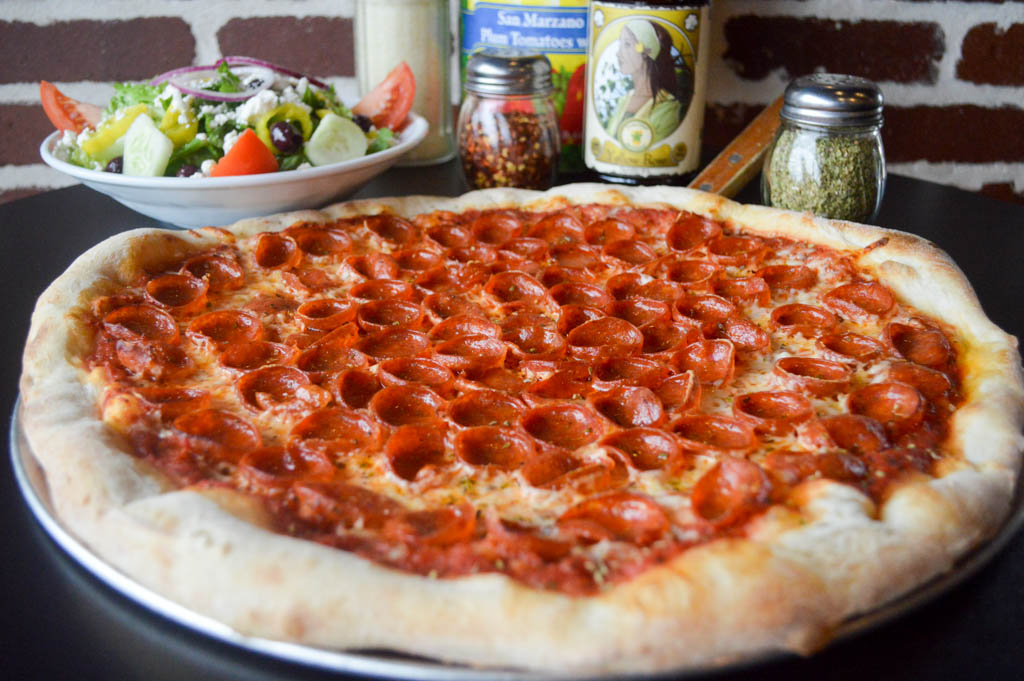 Big Paulie's Pizzeria Eats Local Mike Puckett W (105 of 108)
