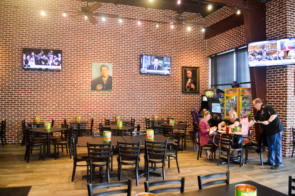 Big Paulie's Pizzeria Eats Local Mike Puckett W (22 of 108)